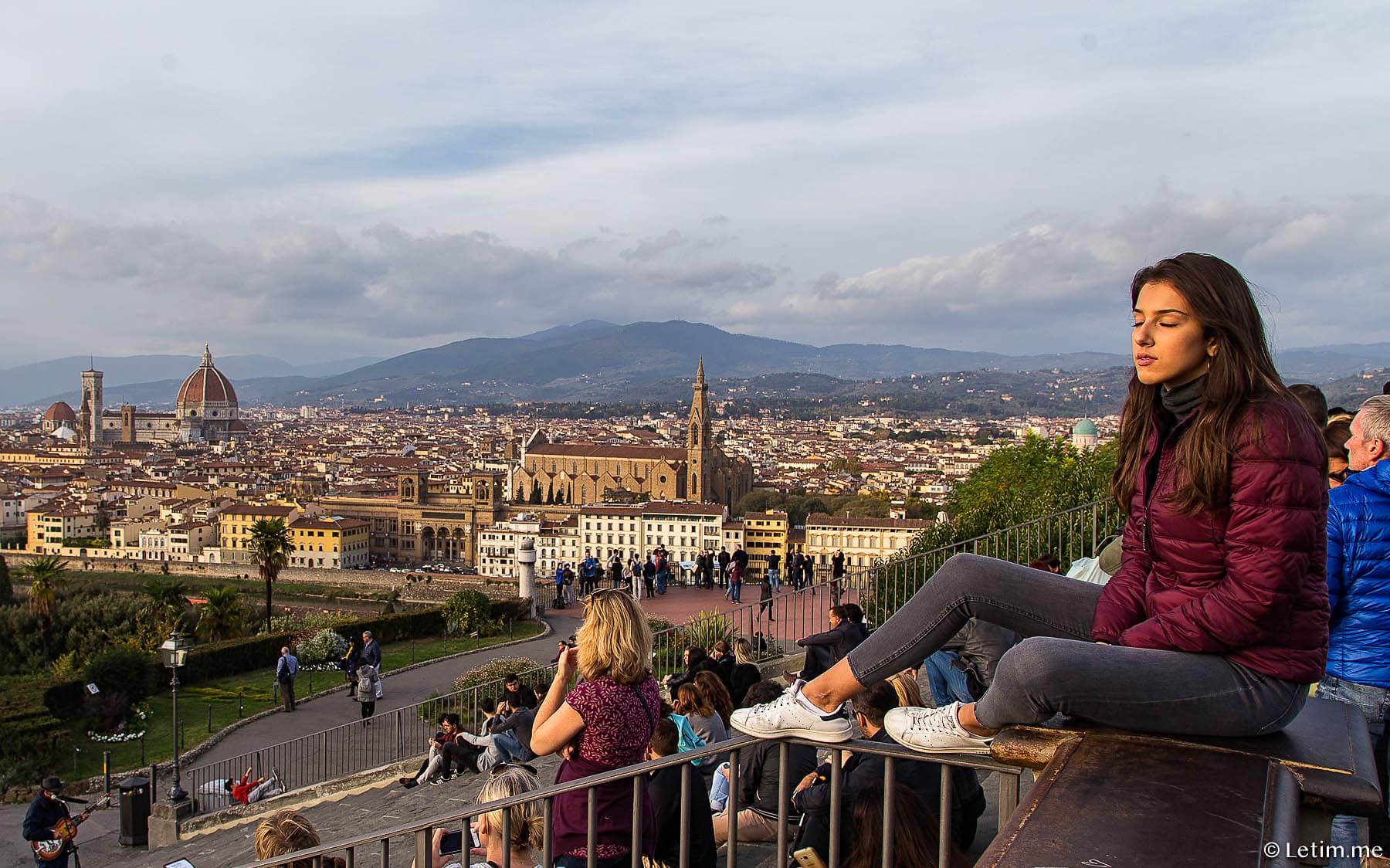 Флоренция. Трамвай, набережная р. Арно и фестиваль воздушных шаров