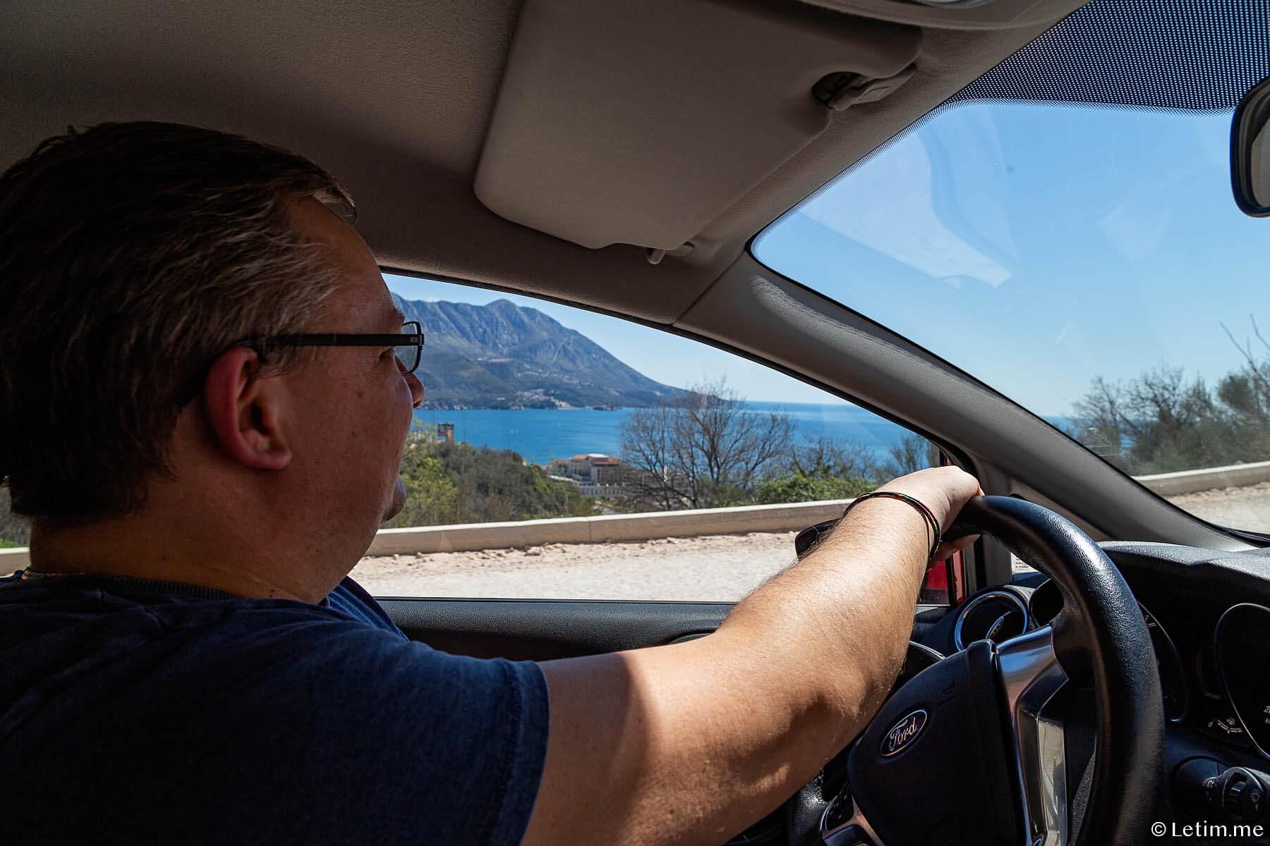 Прокат автомобиля в Черногории